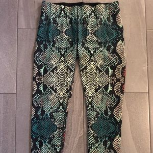 New balance high rise leggings snake skin stretch